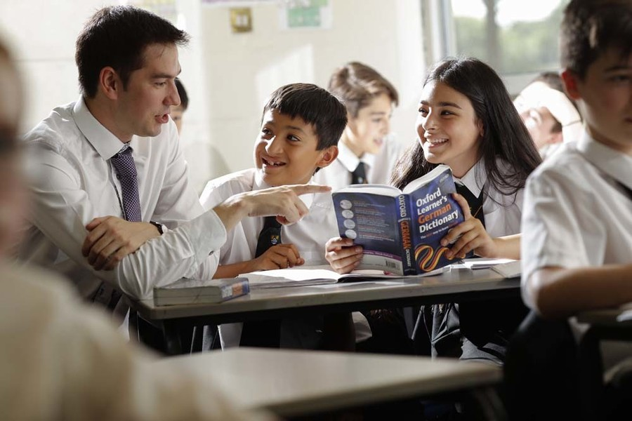 Students in a MFL class